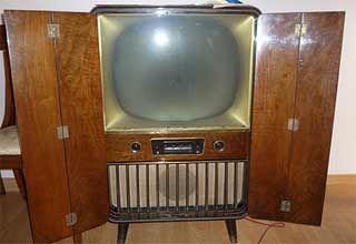 Telefunken  1940   Vintage TV   Box tv, Vintage tv, Television