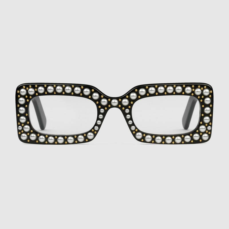 8cd9238231209 Rectangular-frame sunglasses with pearls. Rectangular-frame sunglasses with  pearls Lunettes De Soleil ...