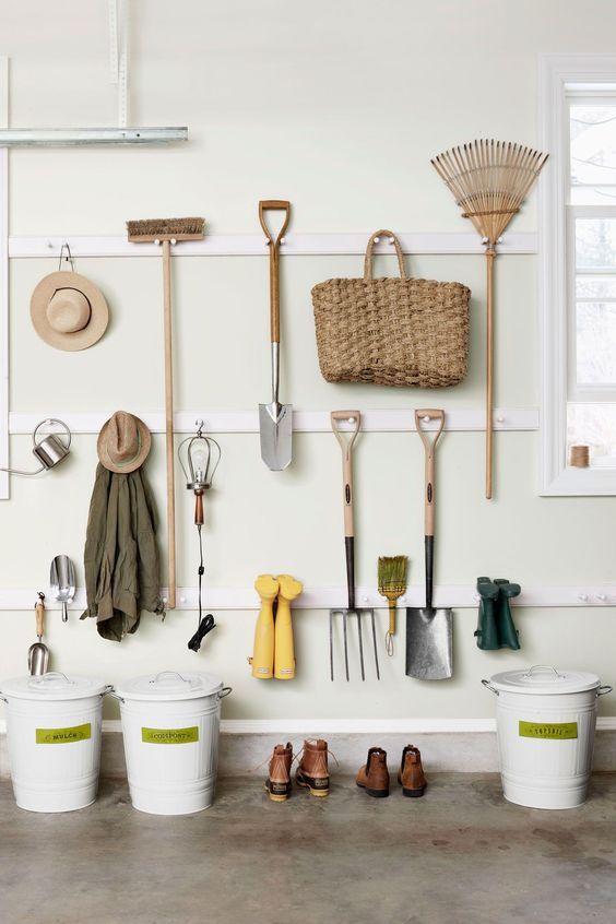 15 Inspirations for Organizing Gardening Tools