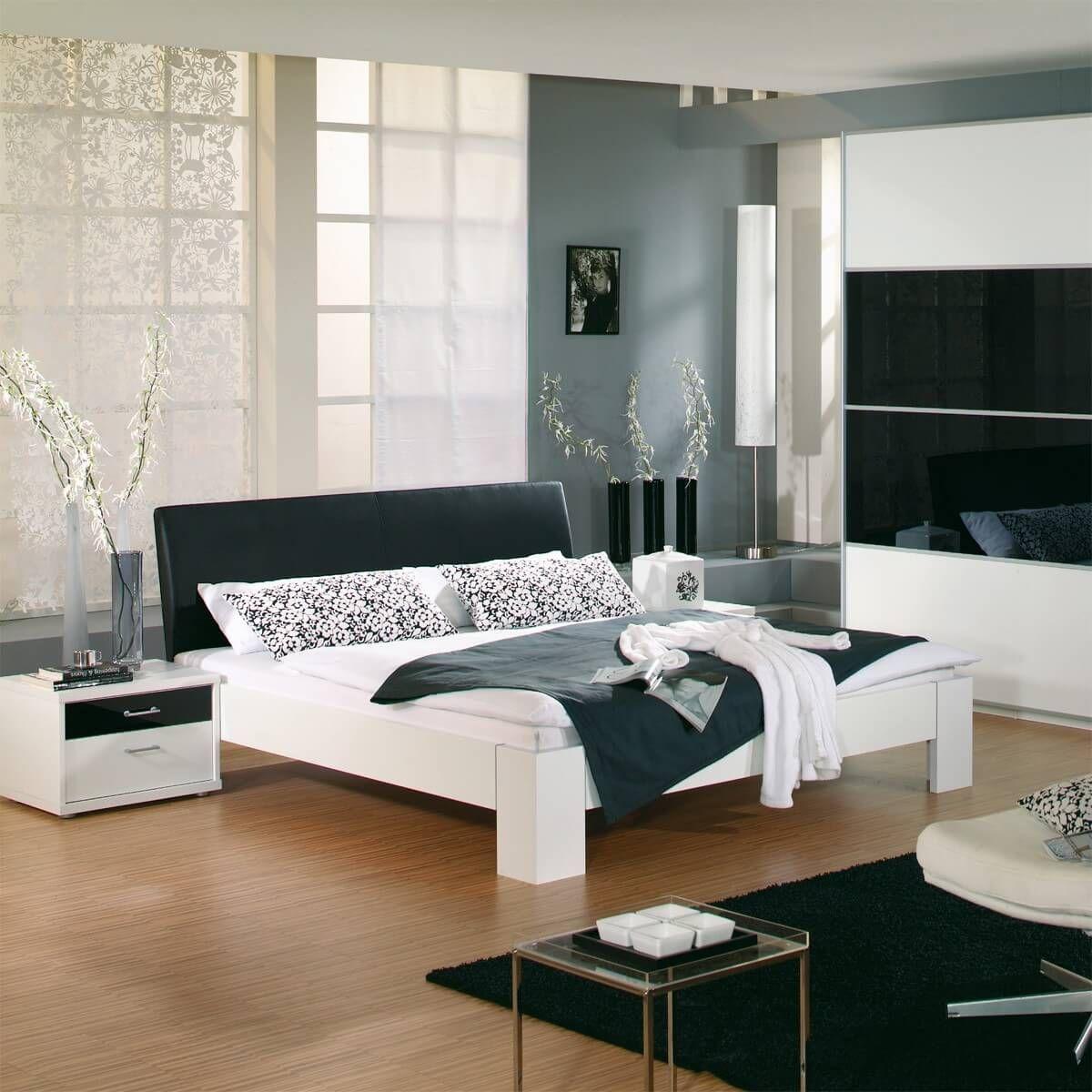futonbett plus 180x200 wei schwarz 2 nachttische m bel schlafzimmer pinterest. Black Bedroom Furniture Sets. Home Design Ideas