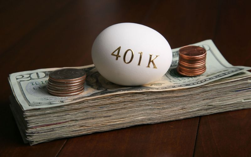 how to protect your 401k if the stock market crashes