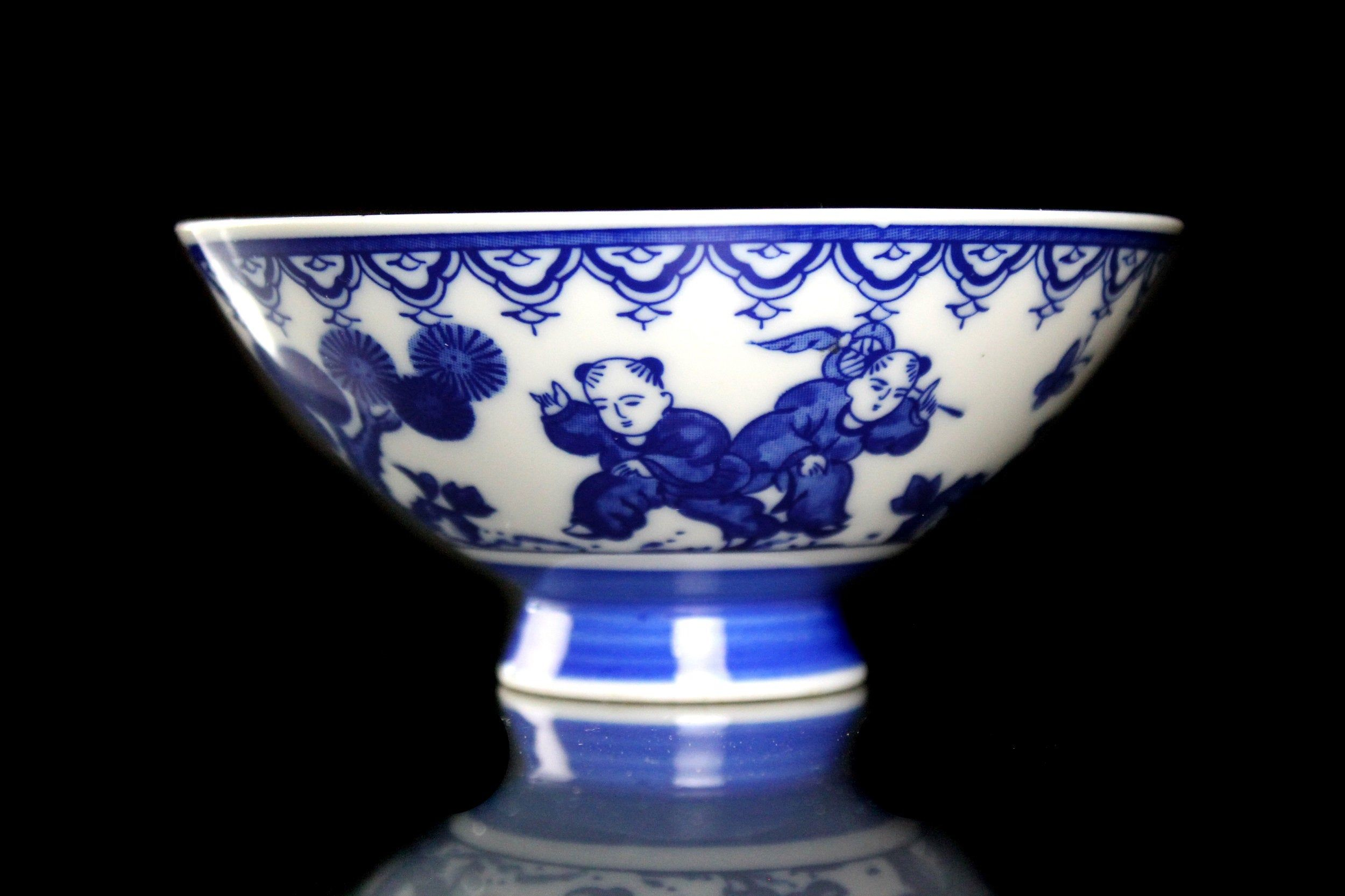Footed asian rice bowl blue and white porcelain tableware