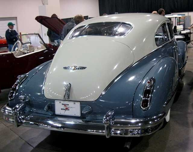 1947  Cadillac .....cool color combo