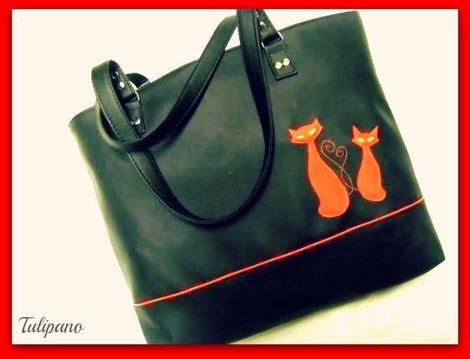 Szaladgálós cicás táska fekete-piros