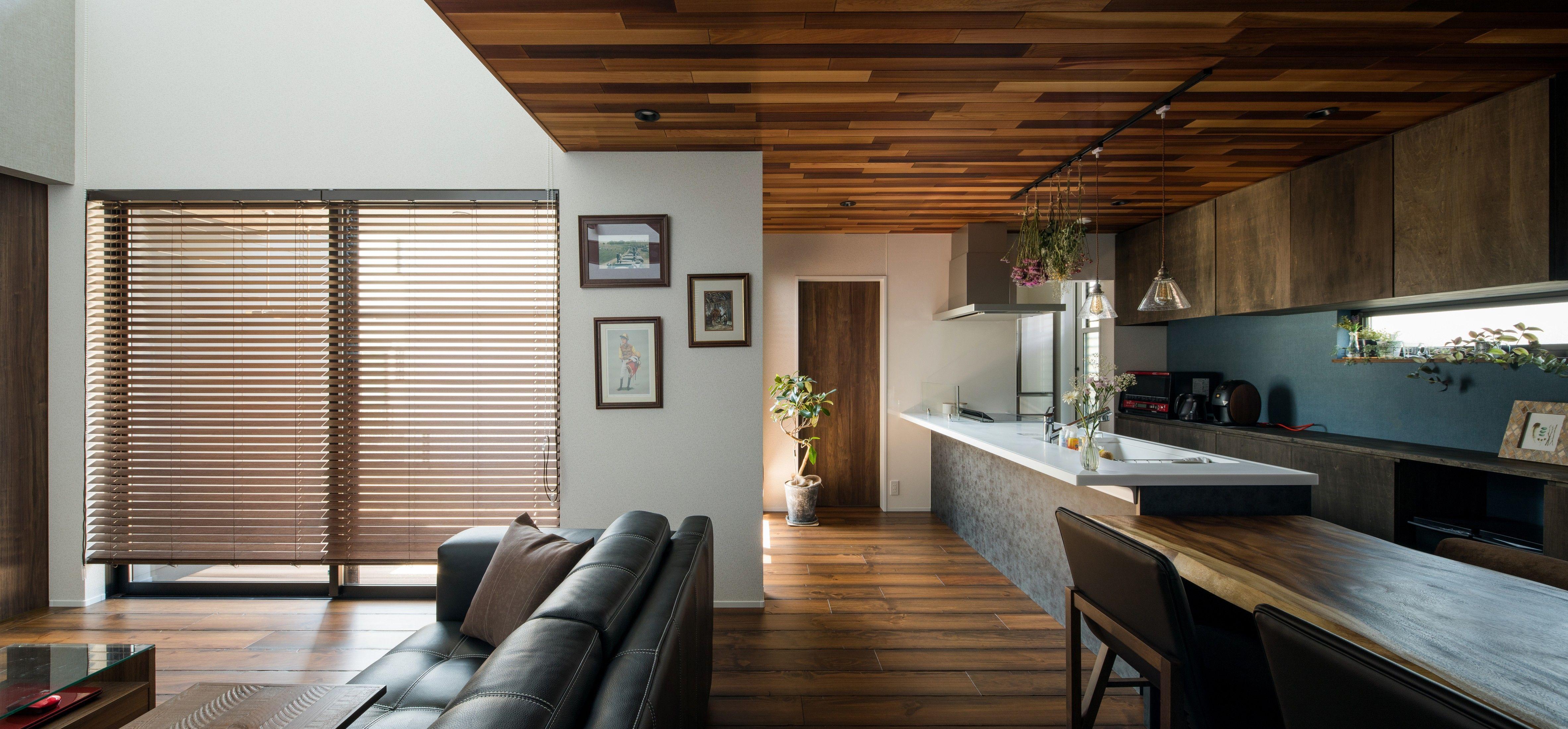 インパクト大のレッドシダーの天井 ルポハウス 設計事務所 工務店