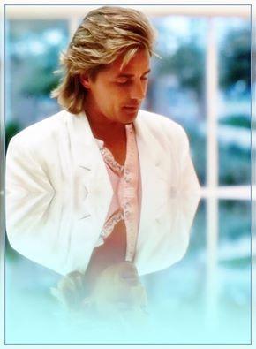 So Handsome Dj As Det Sonny Crockett Miami Vice Don Johnson Mens Hairstyles