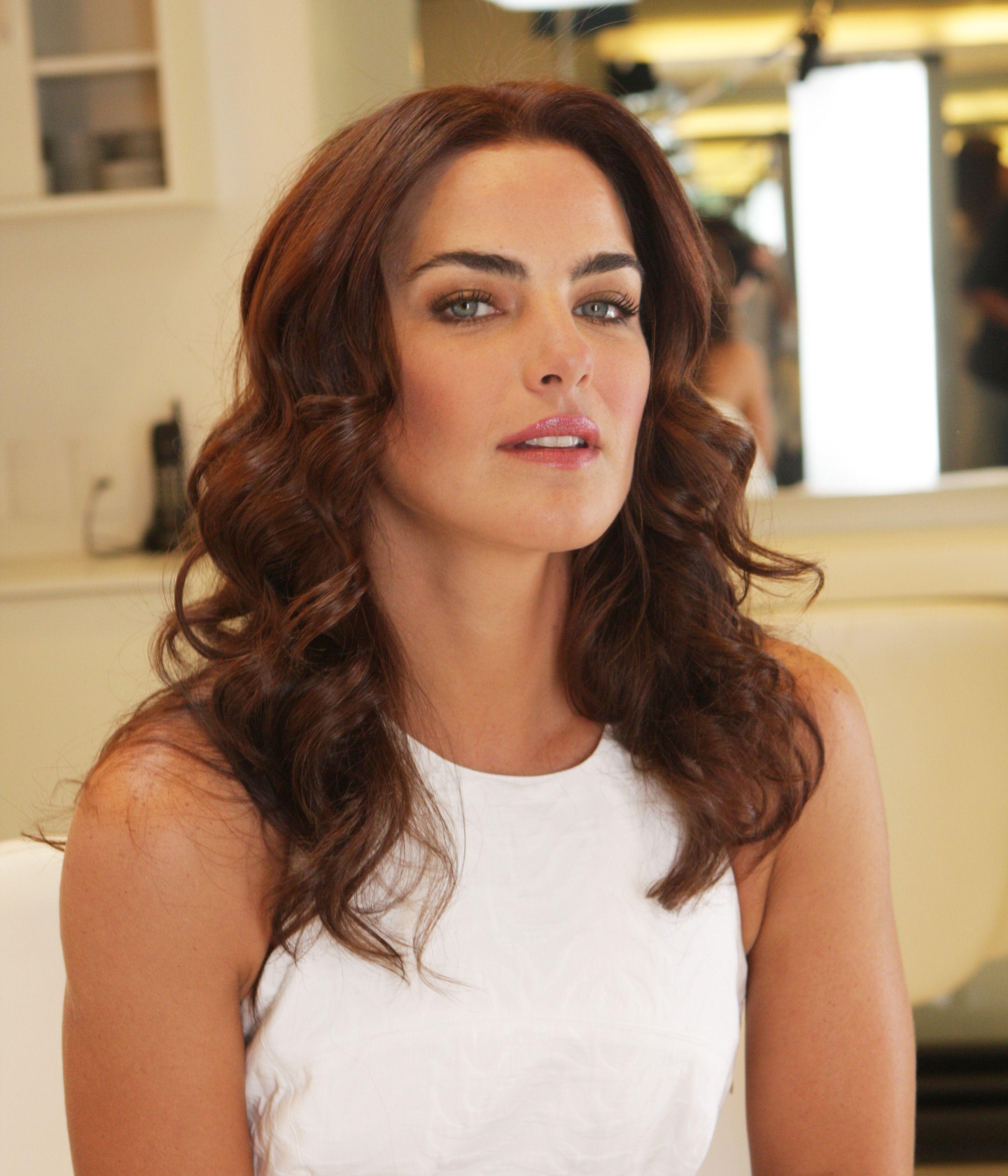 Ana Paula Arosio Completa 40 Anos E Mantem Beleza Natural