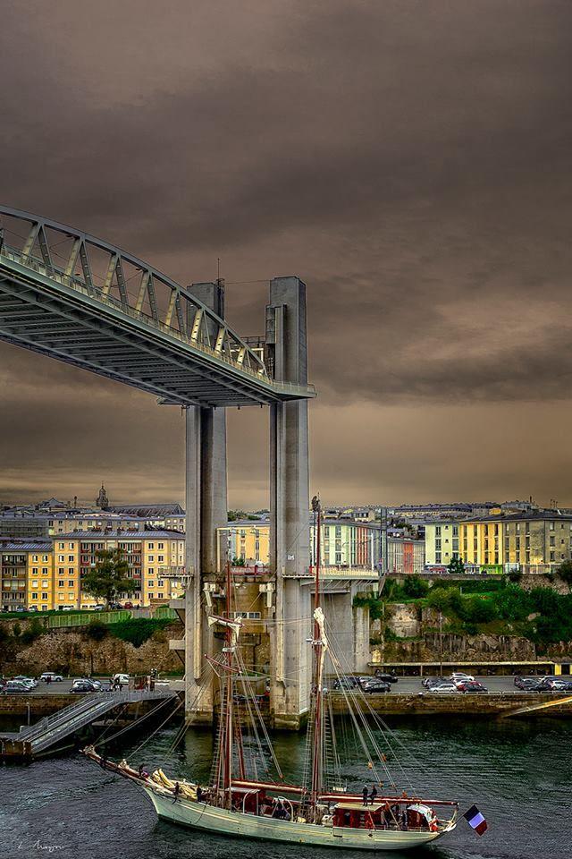 Brest - Le pont de Recouvrance levé | Finistère | Bretagne | #myfinistere
