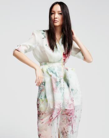 Mode-Trend: Asian Flowers Redaktion: Rhea Leisibach; Fotos: Roman Goebel