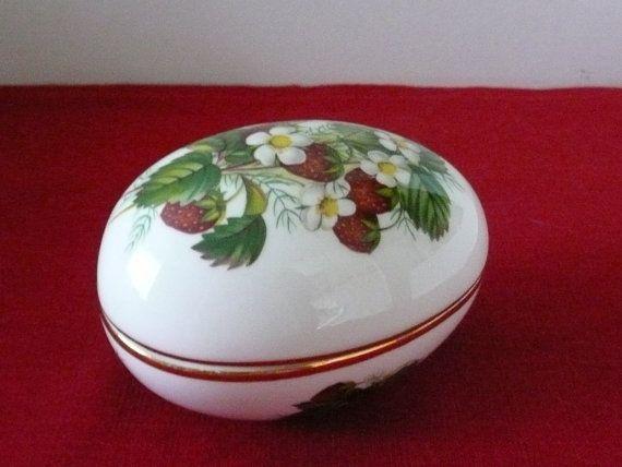 miniture strawberry china | ... ://www.etsy.com/listing/183637149/hammersley-spode-strawberry-ripe