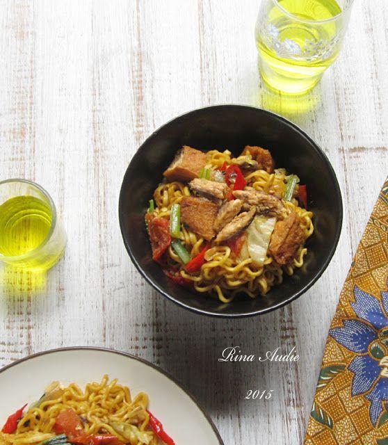 D A P U R M A N I S Mi Goreng Pedas Tahu Dan Ikan Cuwe Makanan Makanan Enak Resep Masakan Indonesia