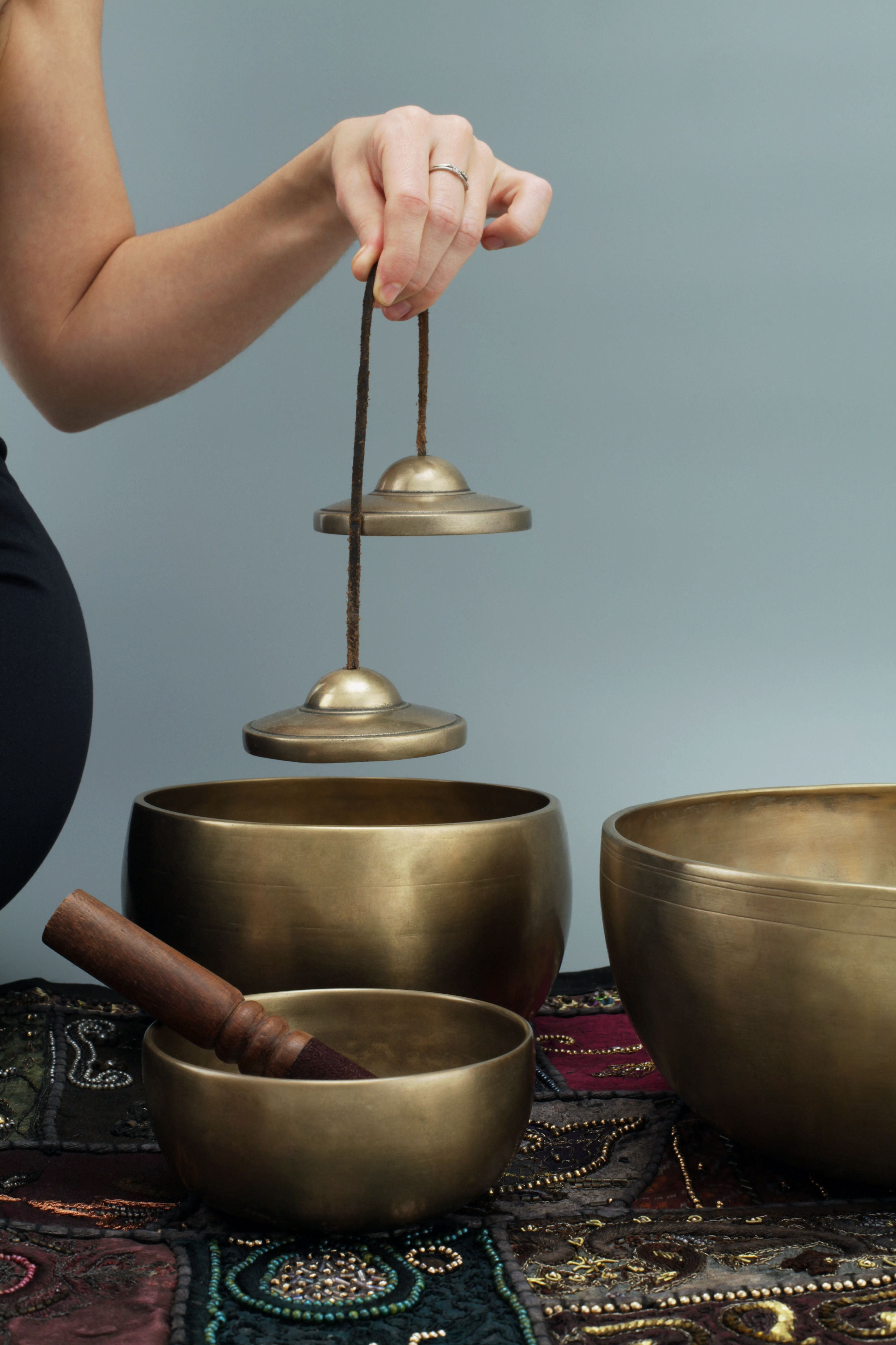 Large Tibetan Singing Bowl Set /— Pure Bronze Meditation Sound Bowl Handcrafted in Nepal /— 6.5 Inch