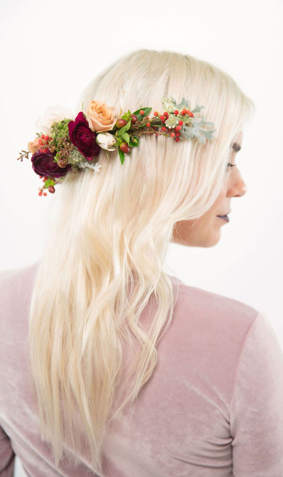 5 gorgeous flower crowns that are really easy to make wedding make how to make a winter flower crown best flower crown ideas for the holidays izmirmasajfo
