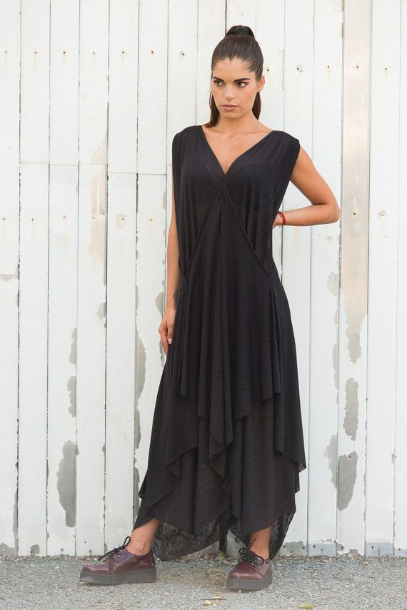 078108c4b5b The beauty of this dress is its beautiful drapery. The top is very  flattering on