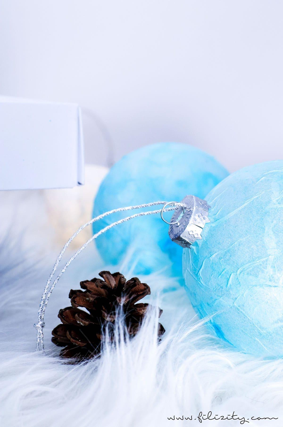 Selbst gemachter Schmuck zu Gunsten von den Weihnachtsbaum: DIY Christbaumkugeln…