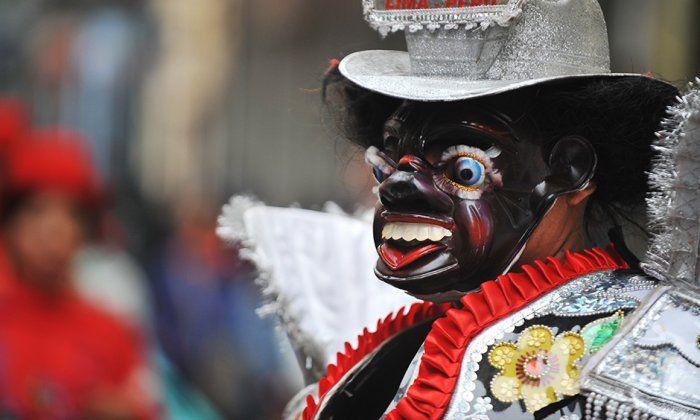 Danzas puneñas llenaron de color y alegría el Centro Histórico de Lima Dazante Los negritos --JH