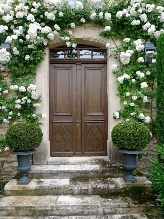 Whimsical Entrance With Topiary Gardens Pinterest Cote De