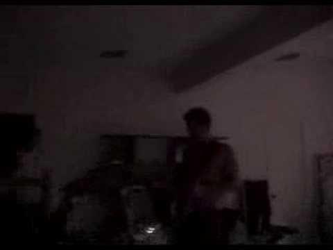 Matt Schulze on guitar.