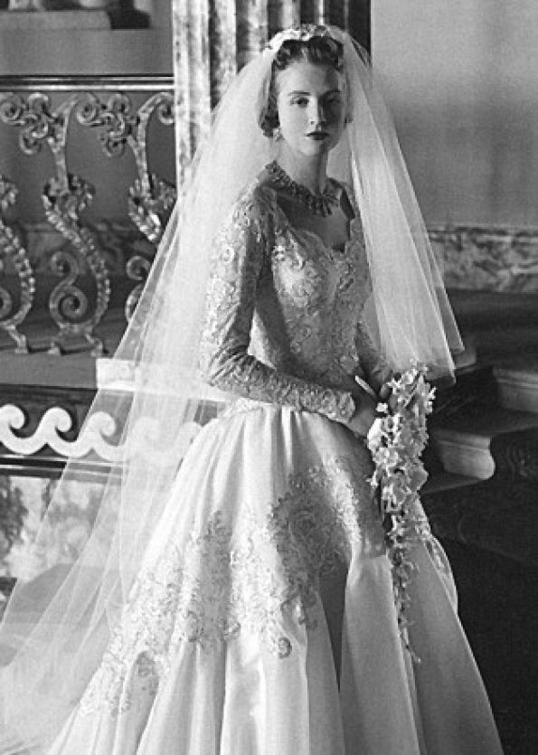 Lady Anne Glenconner\'s stunning wedding dress by Norman Hartnell ...