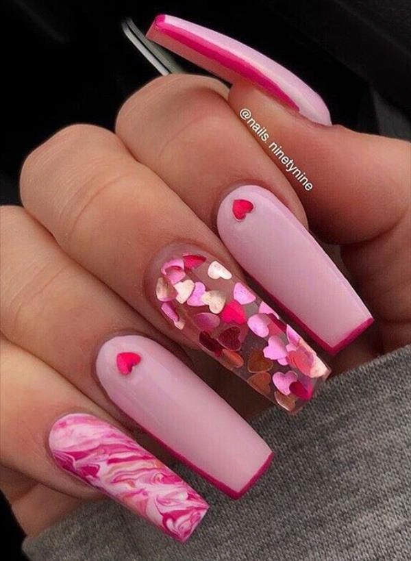 LOVE IS IN THE AIR: A NAIL POLISH IN THE COLORS OF LOVE - My Nails