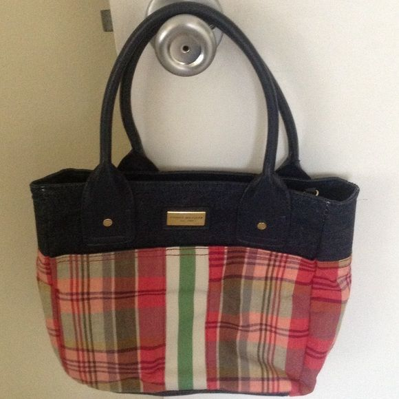 Tommy Hilfiger purse Super cute Tommy Hilfiger denim and plaid purse. Approximately 9x11x3. Excellent condition. Tommy Hilfiger Bags