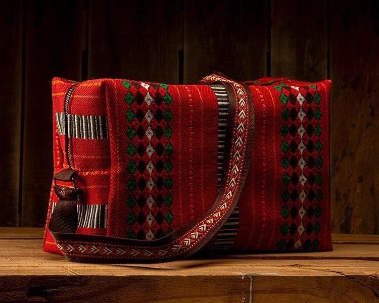 حقيبة سفر من قماش السدو التراثي الجميل والبطانه من قماش الجنز السميك قابله للغسيل Satchel Bags Messenger Bag