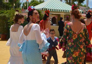 ALS FRAU ALLEINE REISEN: Feria in Sevilla