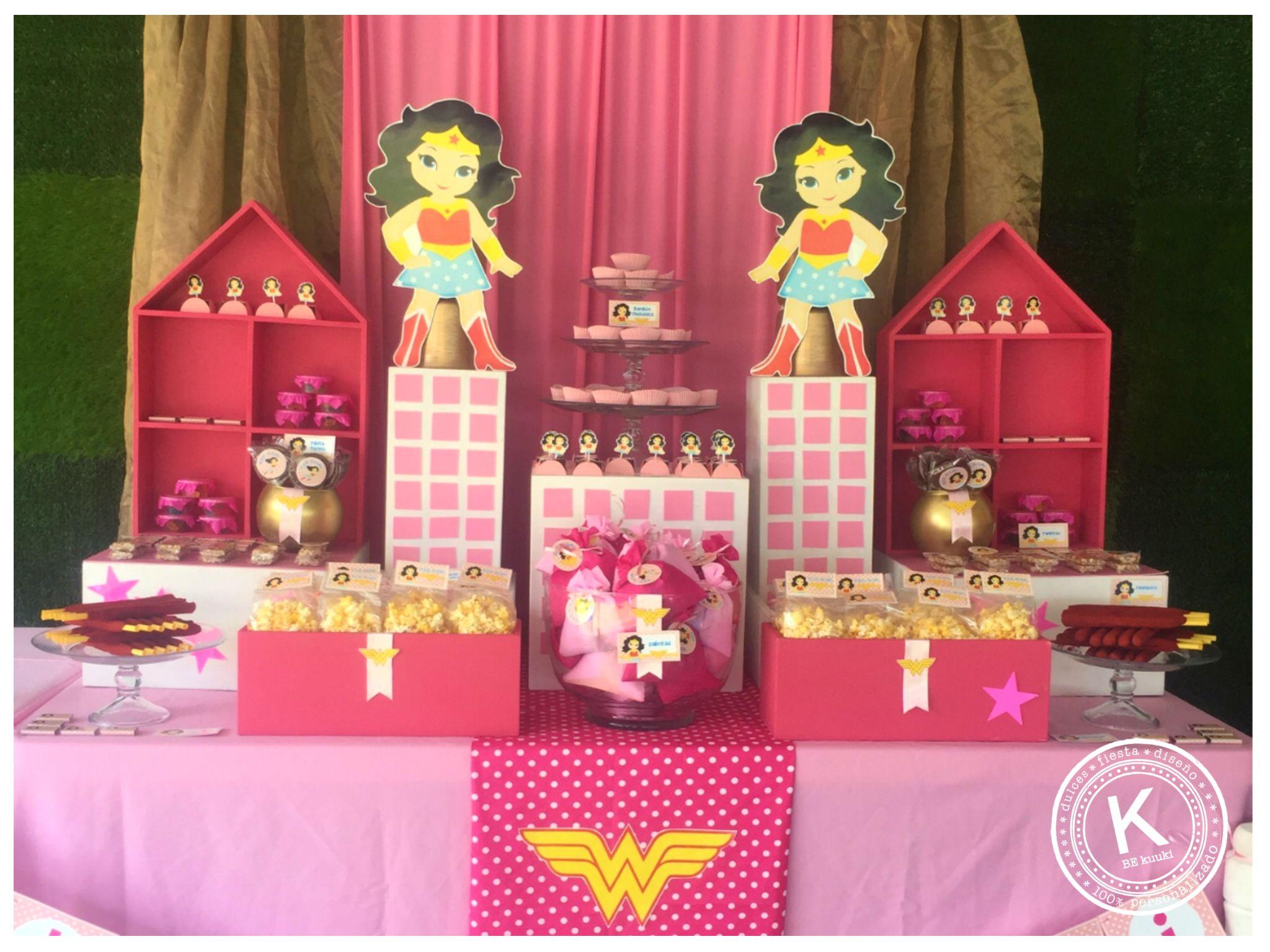 Mesa de dulces candy bar cumplea os mujer maravilla - Mesas dulces para ninas ...