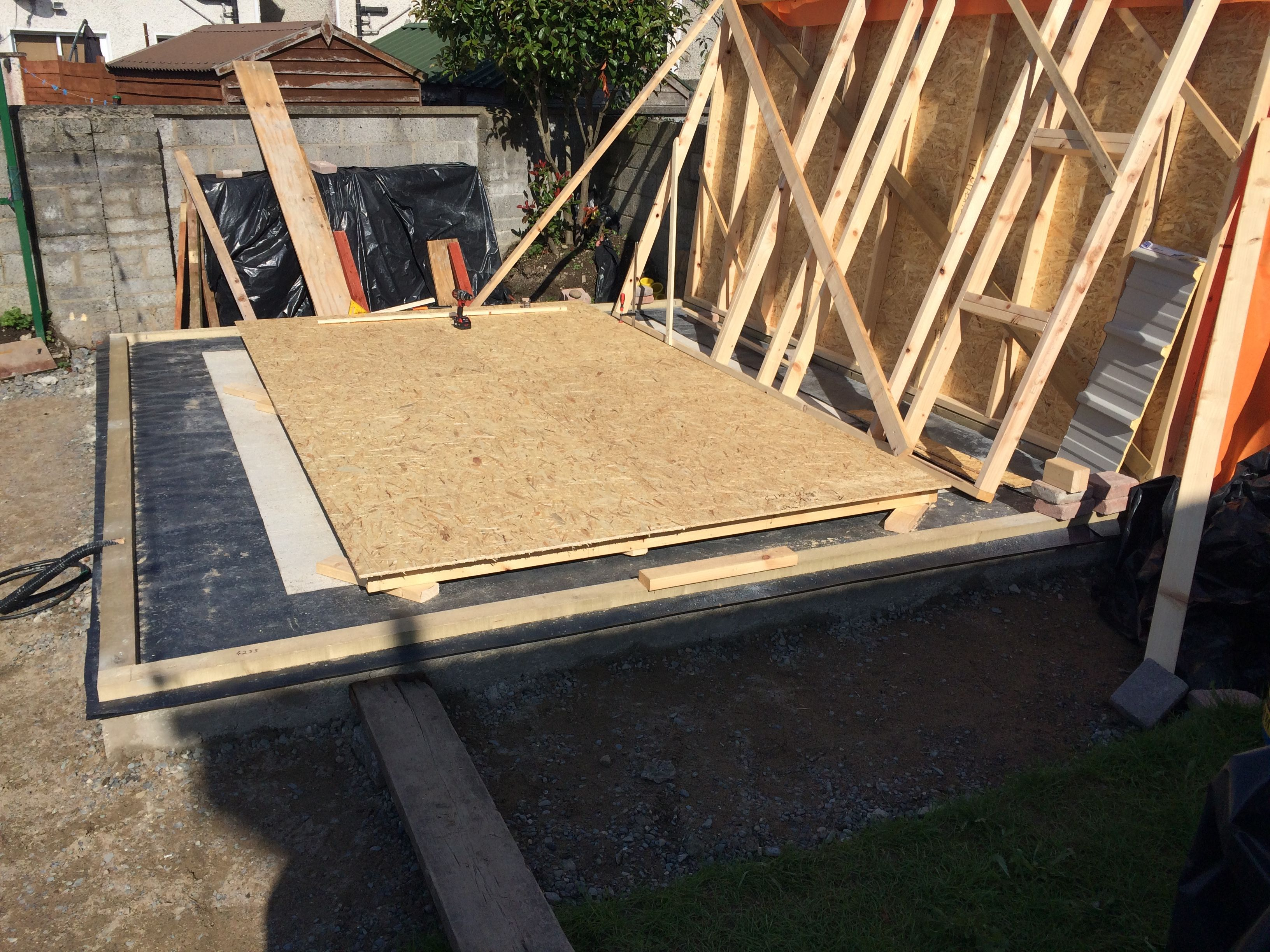 Prefabricated Timber Stud Panelled In 11mm Osb Sheeting Ready For House Wrap Timber Frame Osb Timber
