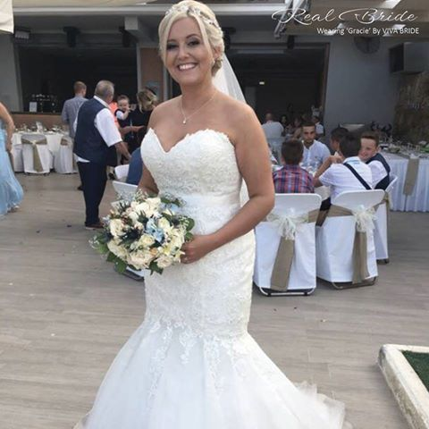 e4bc6e722319 Stunning real bride Stacie looks amazing in 'Gracie' by Viva Bride <3 This