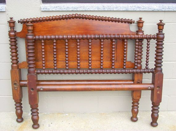 Antique Heirloom Spindle Spool Bed Full Double By Oldmillvintage Spool Bed How To Antique Wood Antique Beds