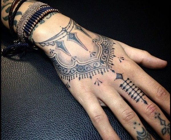 Stunning Maori Tattoo Designs For Hands Tattoos And Piercings