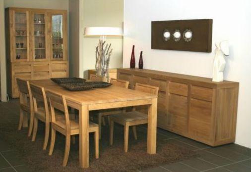 salle a manger avec meubles en bois ensemble vaisselier table chaises buffets