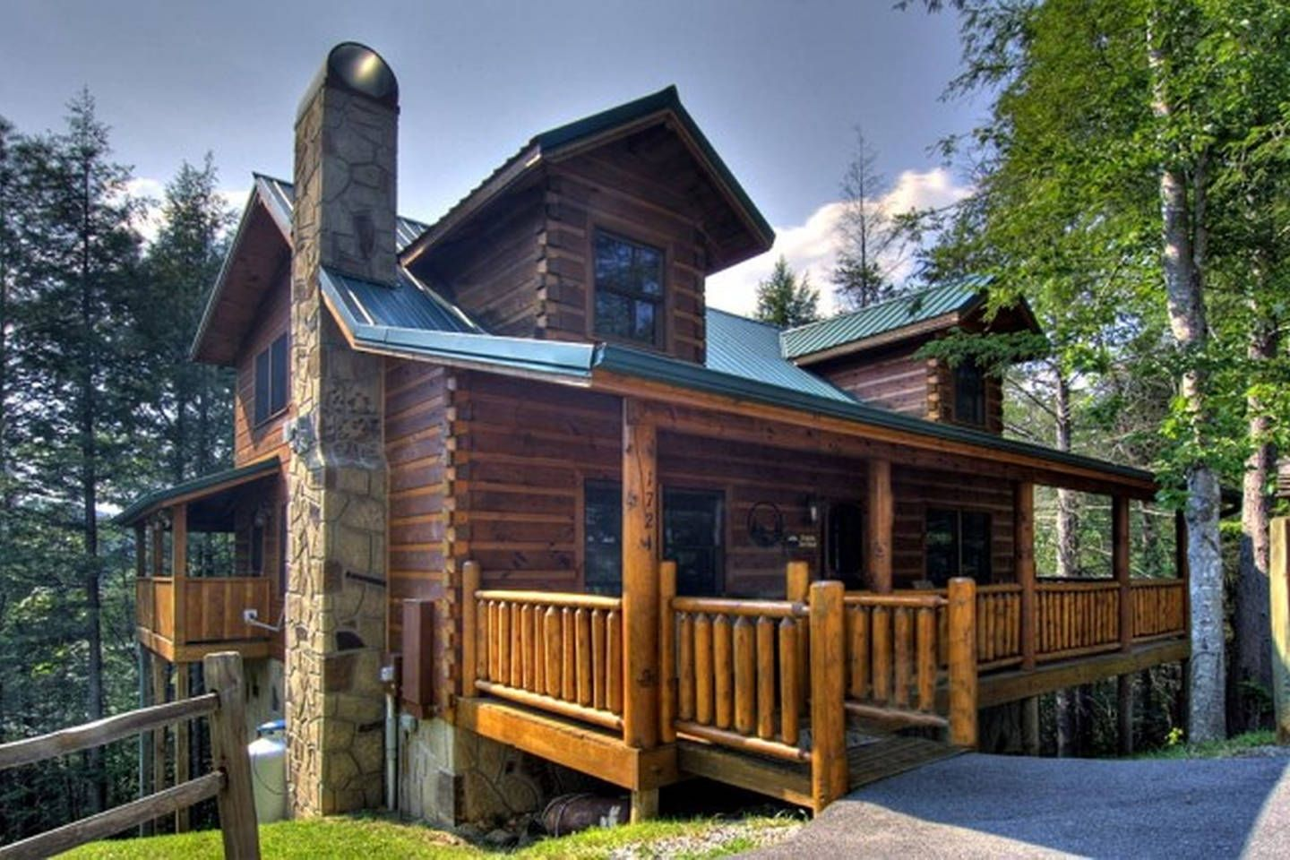 Cabin is sassy lady in the smokies vacation rental in pigeon forge tennessee view more pigeonforgetennesseevacationrentals