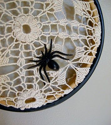 Weekend DIYs Spider webs, Spider and Shabby chic halloween - spider web decoration for halloween