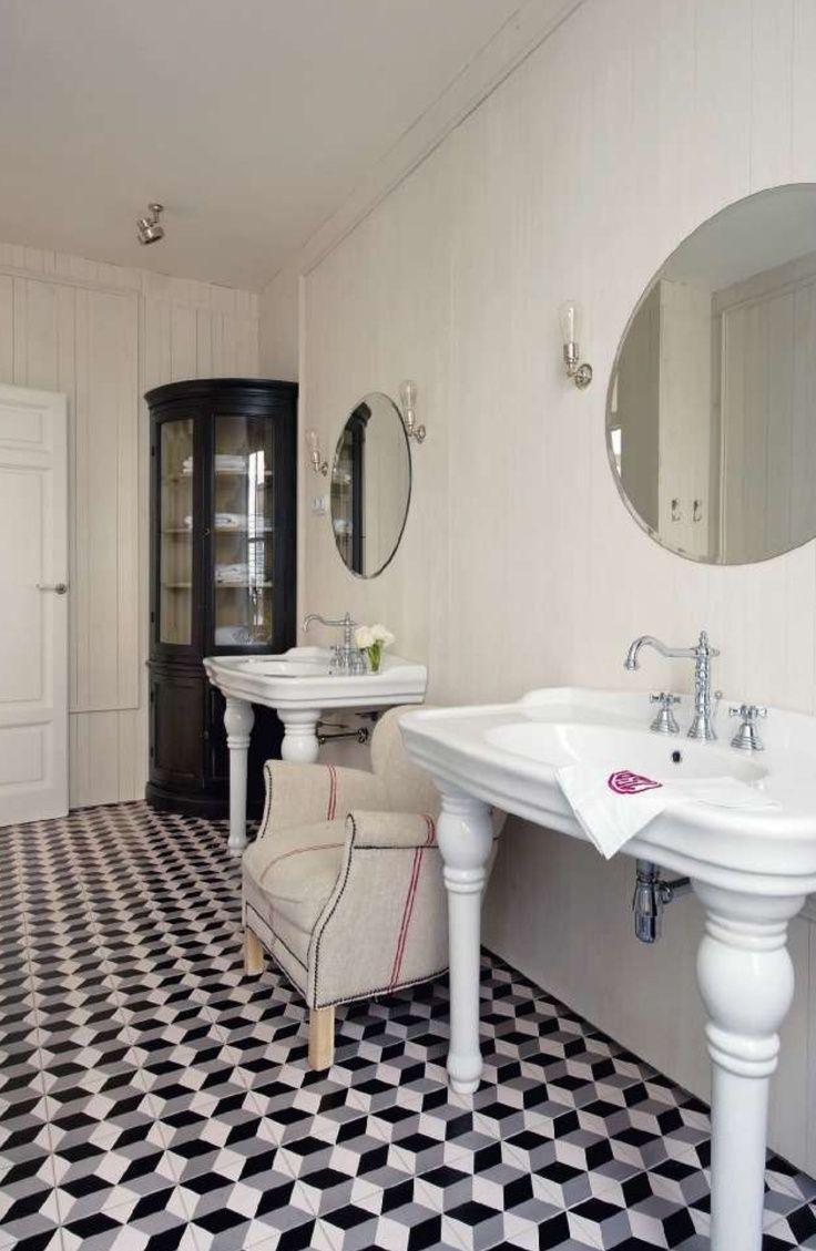 Black and white bathroom ideas pinterest - Geometric Black White Bathroom Interiors Google Search