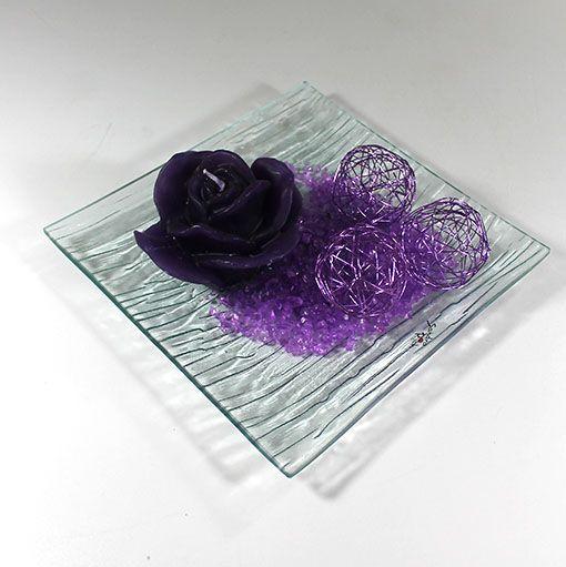 Dekoration med lilla trådkugler #Bordpynt #Dekoration
