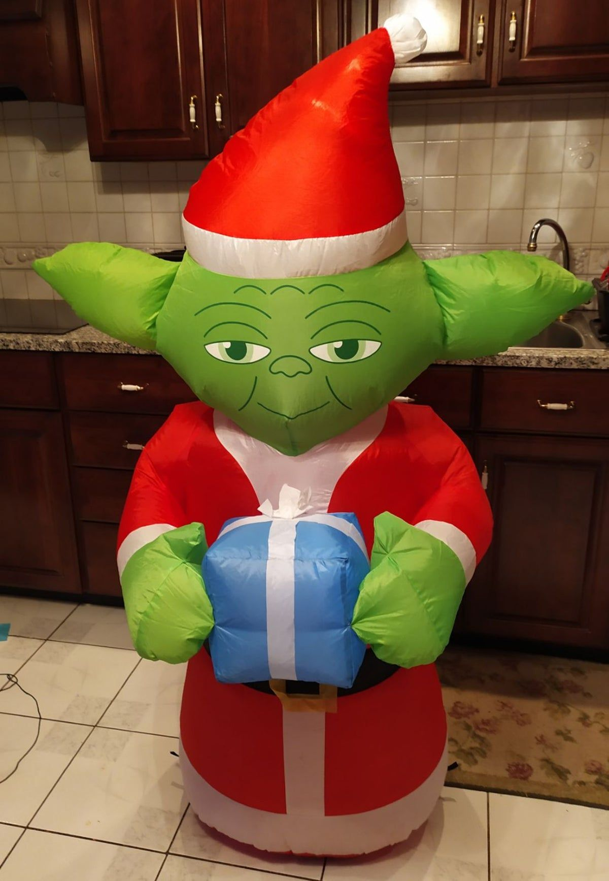 Star Wars Yoda Inflatable In 2021 Star Wars Yoda Star Wars Halloween Christmas Inflatables