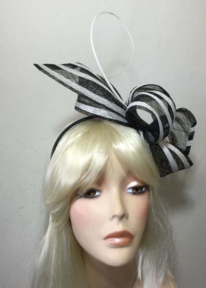 NAVY BLUE   WHITE FASCINATOR 2014 DESIGN 90a2ee78ed9