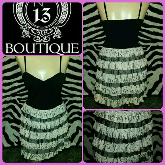 $FINAL PRICE$ SASSY FEMME LACE LAYER blk dress ***SWEET FEMME but SASSY lil JETT BLACK & WHITE LACE layer ruffle spaghetti strap dress...its in ABSOLUTE EXCELLENT pre-luved condition and SIZE-SMALL in jr/miss Dresses