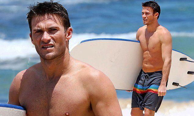 Scott Eastwood Flaunts His Ripped Torso On Sydney's Bondi