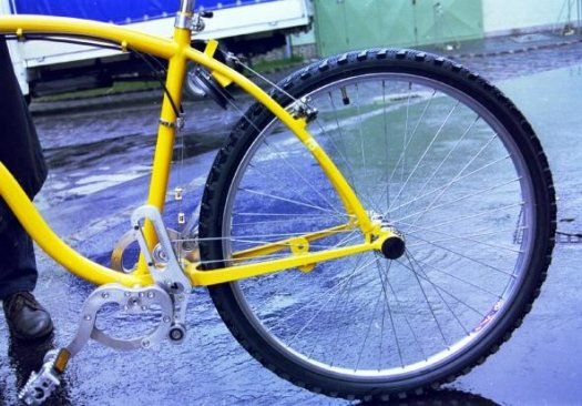 Chainless Bicycle Uses Wire And Pulley System Eliminating Grease