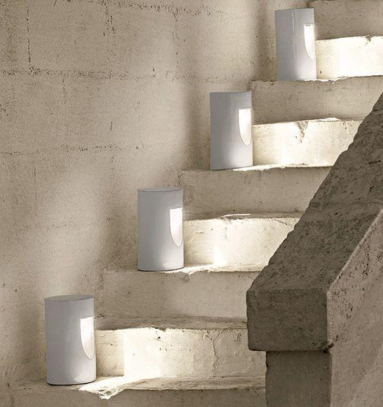 Lampada segnapasso in terracotta Tour - Lampada cilindrica da terra Ethimo