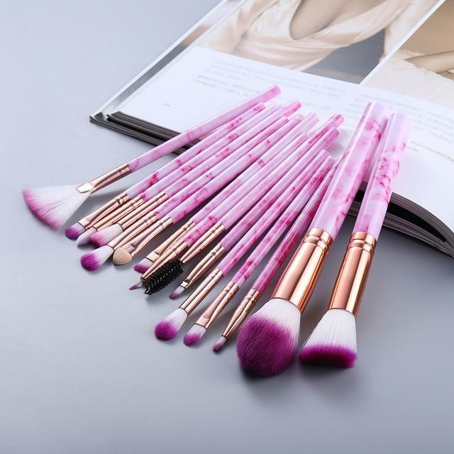 PROFESSIONELLES SET MAKEUP PINSELS – 15 Stück rosa / China