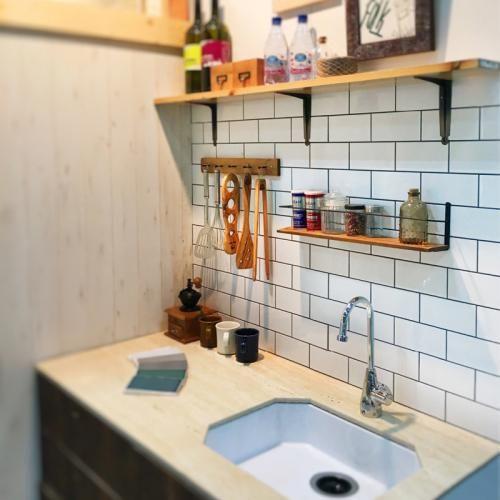 Cheap Studio Apartments Reno: タイルで誰でも簡単にDIY|タイルシートの通販サイト 「DIY-TILE」 ベント :サブウェイタイル【ホワイト
