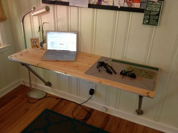 This Desk Was A Great Idea In My Version Not Shown We Used 6ft Board From Lowes Stained And Treated Wall Mounted Desk Diy Computer Desk Wall Mounted Table
