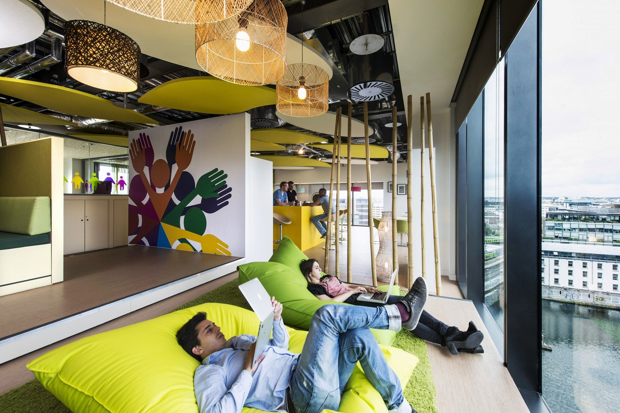 google head office dublin. Campus Do Google Em Dublin / Camenzind Evolution + Henry J. Lyons Architects Head Office E