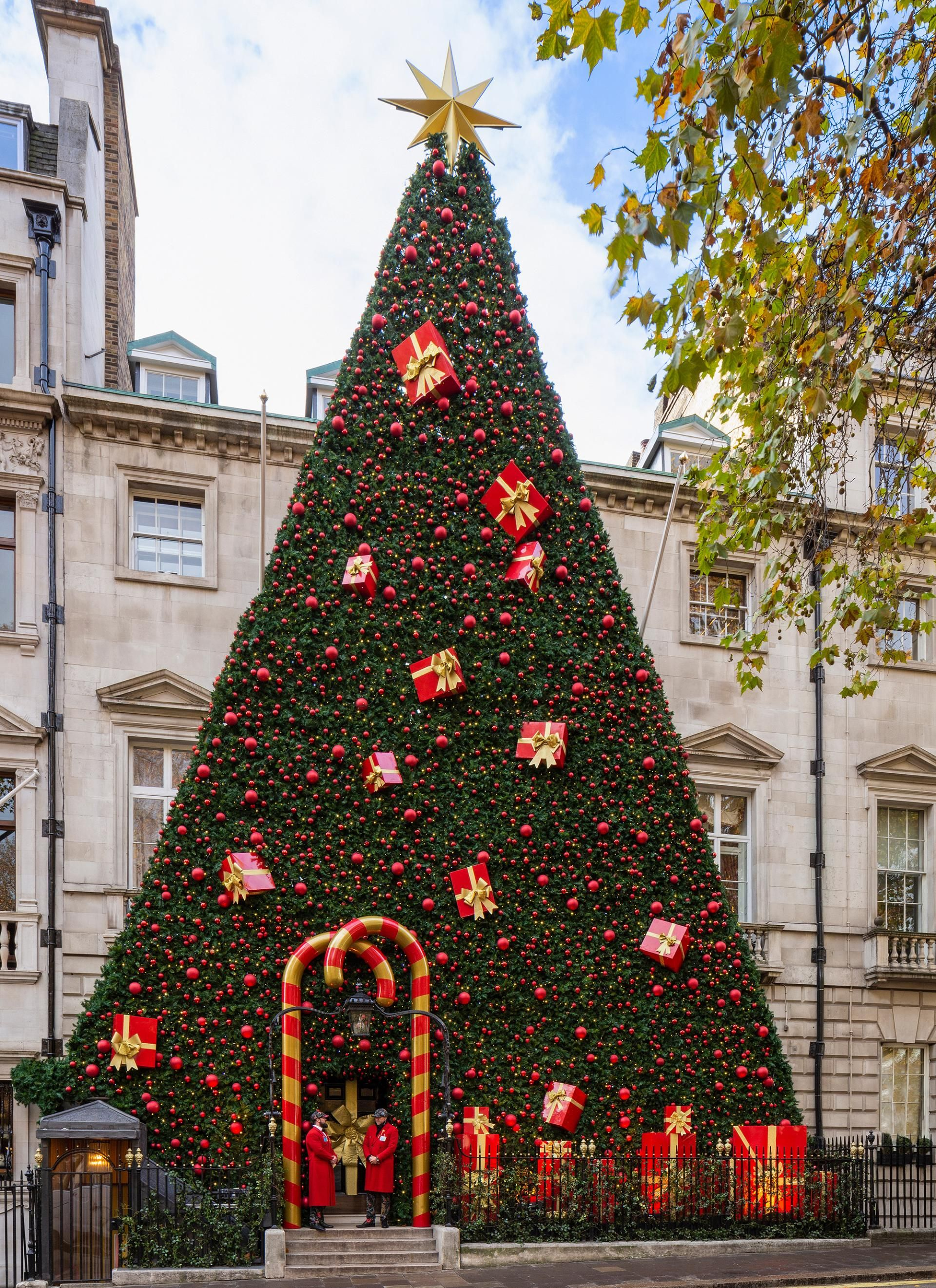 The Best Christmas Trees In London 2018 Interiors House London Christmas Cool Christmas Trees Funny Christmas Tree