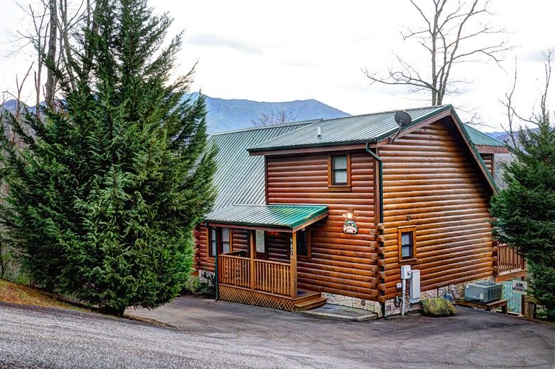 BEARFOOT LODGE 3 bedroom Cabin in Gatlinburg, TN ...