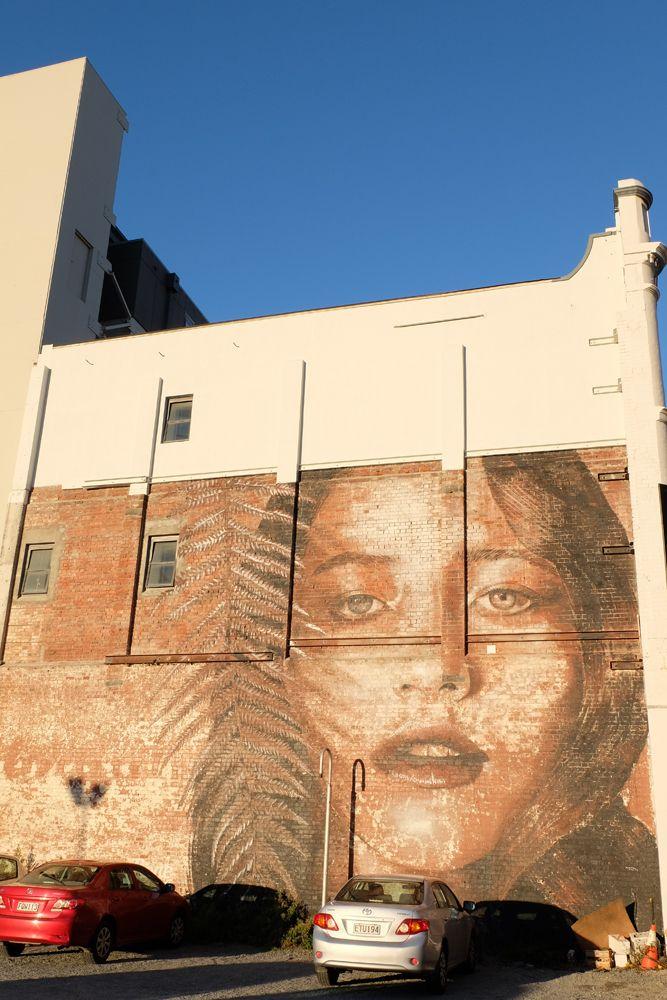 mural painting ,Christchurch,NZ  大きな壁画 クライストチャーチで